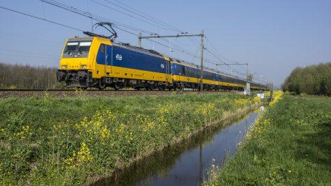 Traxx-locomotief over HSL (foto: NS)