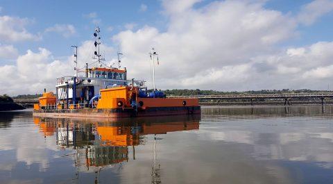 Waterinjectievaartuig (foto: Havenbedrijf Rotterdam)