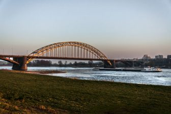 Waalbrug. Foto: Ivo Ketelaar Fotografie